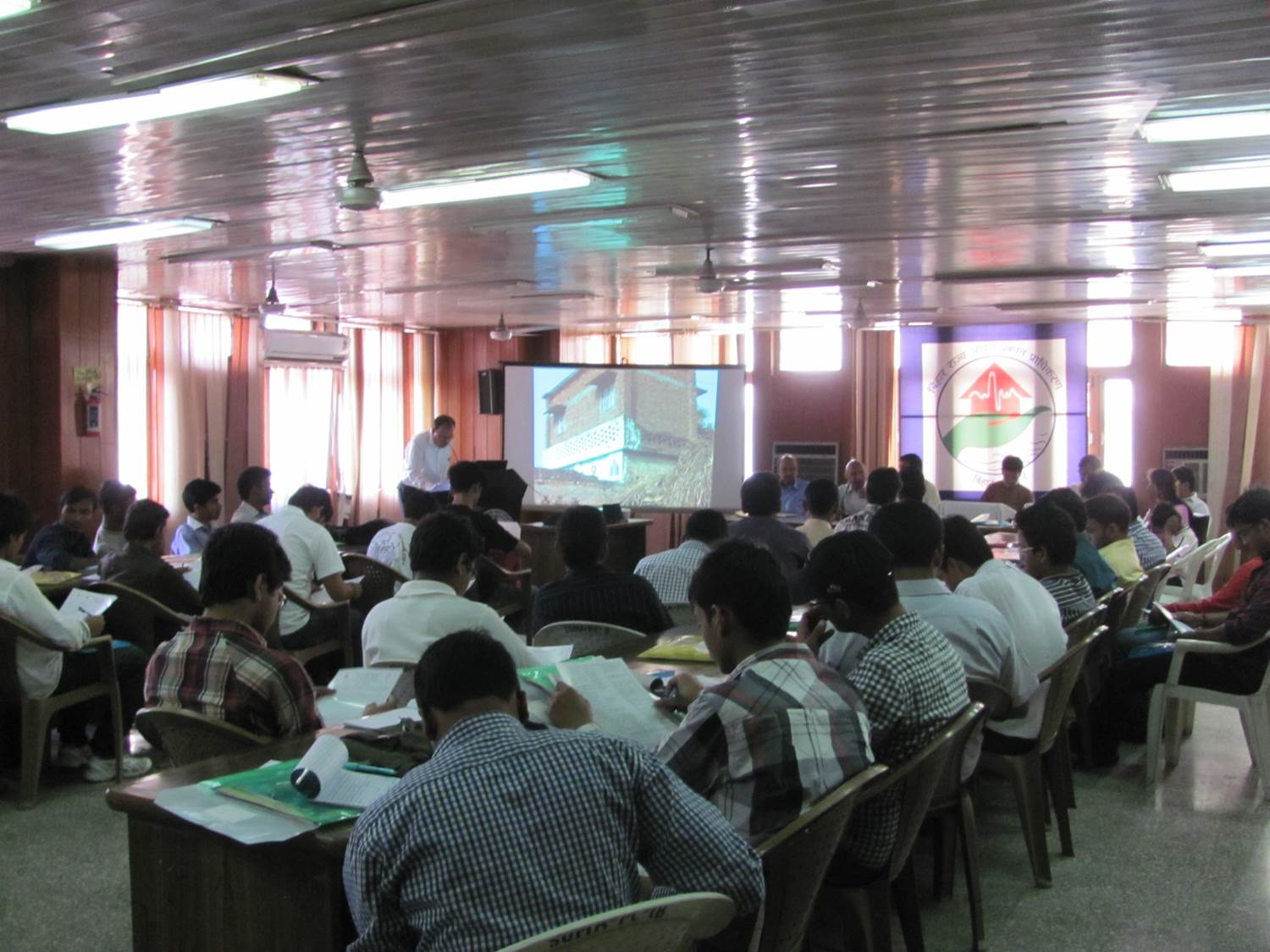 Lectures on earthquake engineering for engineering students organised by the BSDMA (source: BSDMA)